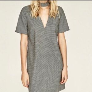 💥 3/$25 Zara Houndstooth Choker Neck Shift Dress